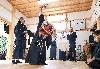 再建した社殿で、舞を披露する保存会のメンバー