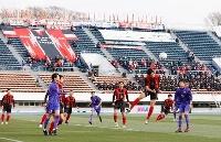 全国高校サッカー準々決勝の矢板中央―富山第一戦=5日、駒沢陸上競技場