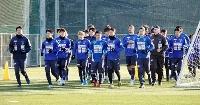 1次キャンプを開始し、ランニングする横浜FCの選手ら=和歌山県内((C)YOKOHAMA FC)