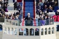就任式で演説するバイデン米新大統領=20日、ワシントンの連邦議会議事堂(UPI=共同)