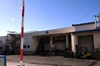 広域連合が3月末での閉鎖を決めた佐久広域食肉流通センター=9日、佐久市