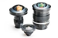 世界で初めて立体射影を実現したフィットの「FI―19」(手前)などFIシリーズの魚眼レンズ