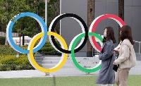 国立競技場近くに設置されている五輪マークのモニュメント