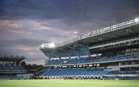 Jリーグの開幕戦が行われる川崎市等々力陸上競技場=2020年7月