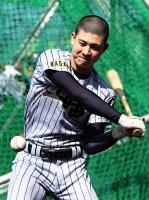 練習に取り組む姿勢とバットでチームをけん引する上田西の柳沢主将
