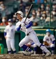 明豊―智弁学園 1回表明豊無死、幸が先頭打者本塁打を放つ=甲子園