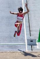 女子走り幅跳び(義足T63) 4メートル56のアジア新記録で優勝した兎沢朋美=屋島レクザムフィールド
