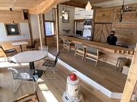 キッチンを備えたレンタルスペース「CLUB」=東御市和