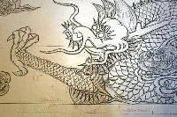 首里城正殿の玉座の背後を飾った彫刻の下絵。今さんが書き込んだ注意点や修正点が残る