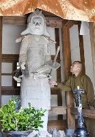 週末に特別公開している千光寺の「宿儺堂」=7日、岐阜県高山市