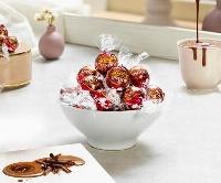 リンツ&シュプルングリージャパンの「リンドール ダブルチョコレート」