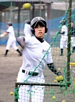 打撃投手を務める岩永さん。最後の夏も公式戦には出られないが、「野球が好き」
