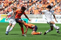 AC長野―富山 前半20分、先制ゴールを決めるAC長野の上米良