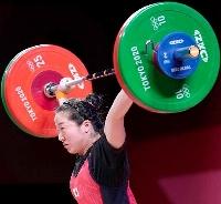 女子59キロ級 スナッチで94キロに成功した安藤美希子=東京国際フォーラム