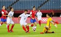 日本―チリ 後半、先制ゴールを決める田中(11)=キューアンドエースタジアムみやぎ