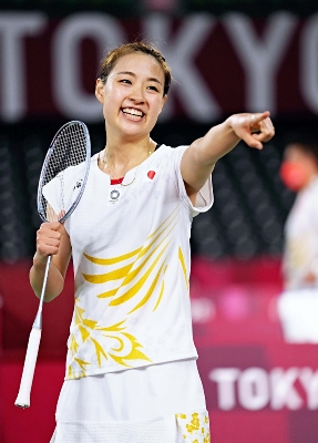 女子シングルス1回戦でカナダ選手に勝利し笑顔の奥原希望=武蔵野の森総合スポーツプラザ
