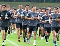 岩手県遠野市でミニキャンプをスタートさせた松本山雅の選手たち