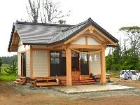 東日本大震災で被災し、約10年ぶりに再建された八幡神社社殿=8日、福島県双葉町