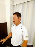 初戦への意気込みなどを語る松商学園・足立監督(あだち・おさむ 松本市波田出身。松商学園の内野手として1979、80年の夏の甲子園に出場。早大の投手として東京六大学リーグで19勝を挙げた。社会人野球プリンスホテルの内野手として89年の都市対抗大会で優勝し、その後は監督を務めた。2011年に松商学園の監督に就任し、15年春、17年夏の甲子園に出場。57歳)=写真は松商学園提供