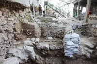 地震の跡が見つかったエルサレムの発掘現場(イスラエル考古学庁提供、共同)