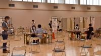 妊婦とその家族へのワクチン優先接種が始まった会場=2日、飯田市のエス・バード
