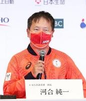 記者会見する東京パラリンピック日本選手団の河合純一団長=6日午後、東京都内のホテル(代表撮影)