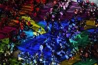 東京パラリンピックの閉会式に参加した各国選手団=5日、国立競技場