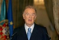 ポルトガルのジョルジェ・サンパイオ元大統領=2004年7月、リスボン(AP=共同)