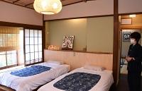 ワクチン接種を終えた人が割引価格で泊まれる奈良屋旅館の客室=野沢温泉村