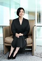国内外で活躍するファッションデザイナーの黒河内真衣子さん