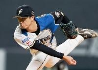 6回3失点で12勝目を挙げた日本ハム・上沢=札幌ドーム