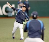 引退試合に向けて調整する西武・松坂=メットライフドーム