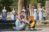 ギリシャのオリンピア遺跡で行われた北京冬季五輪の聖火採火式=18日(ロイター=共同)